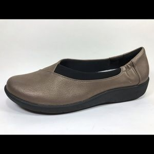 Clarks Cloud Steppers Bronze Loafers Sz 8.5/39.5M